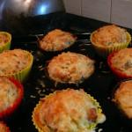 Bramborové muffiny po vytažení z trouby